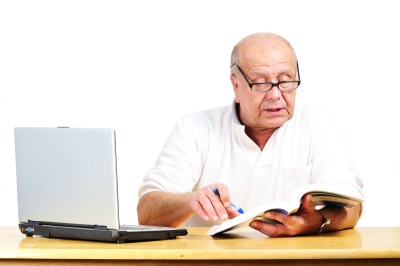 Older Man e-Filing Taxes